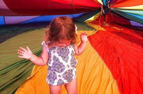 Child inside hot air balloon