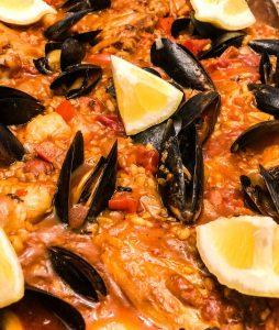 Travel Around The World: Paella