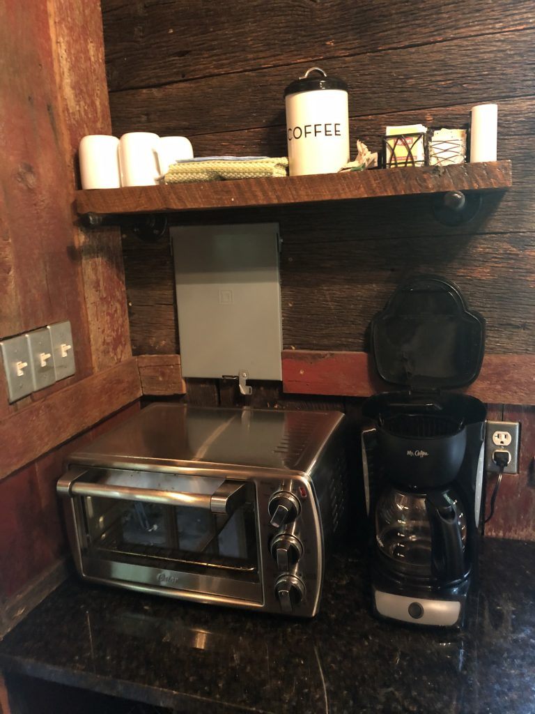 Kitchen area in the Mohican Treehouse