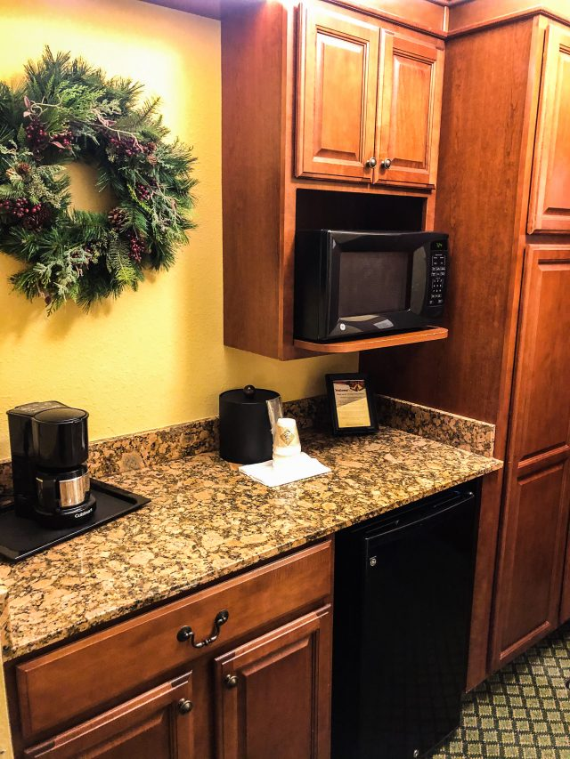 Inn at Christmas Place Kitchenette
