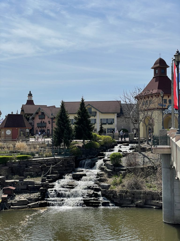 River Place Shops: Where to shop in Frankenmuth